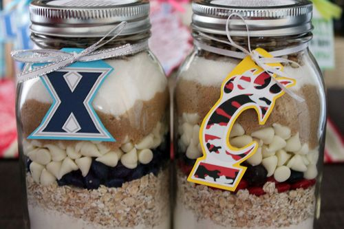 Cookies in a Jar Xavier Musketeers and UC Bearcats